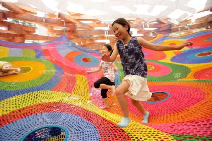 toshiko-horiuchi-macadam-crochet-knit-playground-playscape2